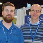 Josh Davis (izq.) de PA Group USA; y Davide Giustina,  de Gruppo Partners Associates, de Italia.