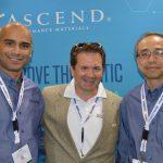 De izquierda a derecha: Cihan Vzinpinar, técnico principal de procesos de nylon; Bart Krulic, gerente técnico de ventas,  Industrial; y el Dr. Wai-shing Yung, director de tecnología,  Desarrollo de Productos, de la firma Ascend Performance Materials.