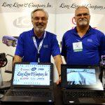 Harrell W. Ligon (izquierda), presidente; y Brian Brimer, ventas  y servicio técnico, de la empresa Lang Ligon & Co. Inc.