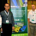 De izquierda a derecha: Alan Fenno, gerente de desarrollo de mercados, revestimientos; Mike Strickland, vicepresidente de ventas; Chris McComas, ventas interiores; y Kevin Ross, gerente de productos, Hypur-Cel®/Visco-Cel®, de la firma Rubberlite Inc.