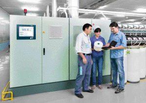 Rieter ayuda a sus clientes en todos los procesos en su planta de manufactura.