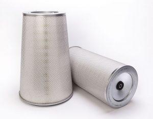 Un filtro de turbina de gas equipado con nanofibras, y manufacturado por la  firma Clarcor Inc.