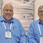 Steve DeSpain (izq.) y Jim Dalton, Reifenhauser Inc.