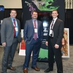 (De izq. a der.): Jason Fannin, Sensient Colors LLC; Scott Konkle, Einstein Graphic Services; y Adam Stack, Sensient Colors.
