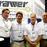 """(lzquierda a derecha): Shartel """"Skip"""" Smith, CEO; James Griffith, vicepresidente ejecutivo; Tim Hutchens, gerente de  cuenta; y Scott Hartzell, gerente de  ventas, Brawer Brothers Inc."""