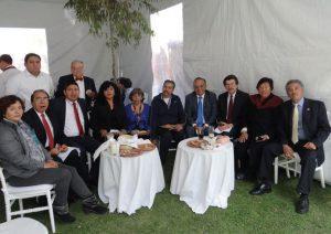 Profesores de la Escuela Superior de Ingeniería Textil del IPN durante la comida que se ofrecía a la delegación de empresas alemanas.