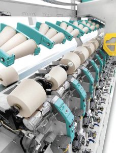 El sistema POLAR I-Direct Link, de Savio, se ha diseñado especialmente para trabajar hilados compactos que producen bobinas de tintorería.