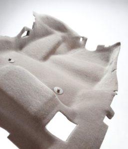 Aspecto de alfombras para no tejidos para uso en automóviles, fabricadas por la firma Autoneum usando  sistemas Di-Light, de ANDRITZ.