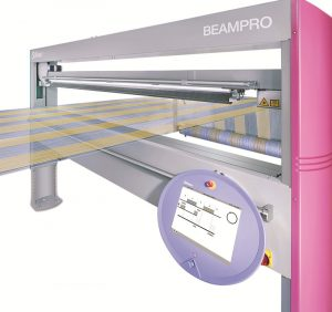 La máquina BEAMPRO, de  Stäubli, ofrece grandes  beneficios en el departamento  de preparación de tejidos.